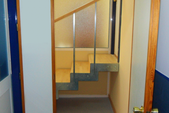 Escalera interior realizada por Francisco Jerez Arquitecto